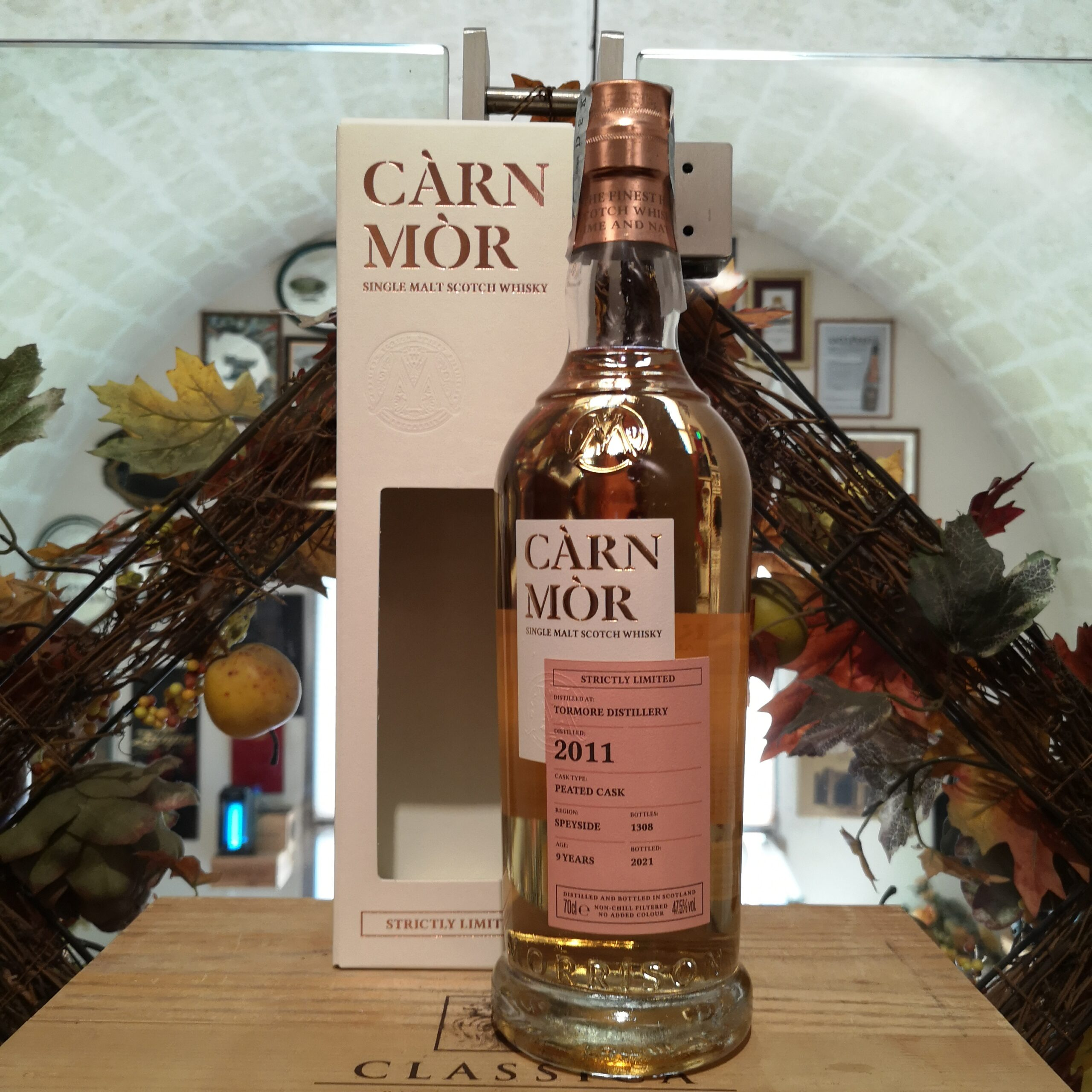 Càrn Mòr Strictly Limited Tormore Single Malt Scotch Whisky 2011 9 YO